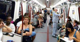 İnternetsiz oyunlar yeraltı yolcularının ilgisini çekiyor 1